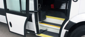 pintu bus pneumatic
